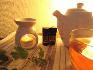 アロマオイルやお香を焚いてリラックス